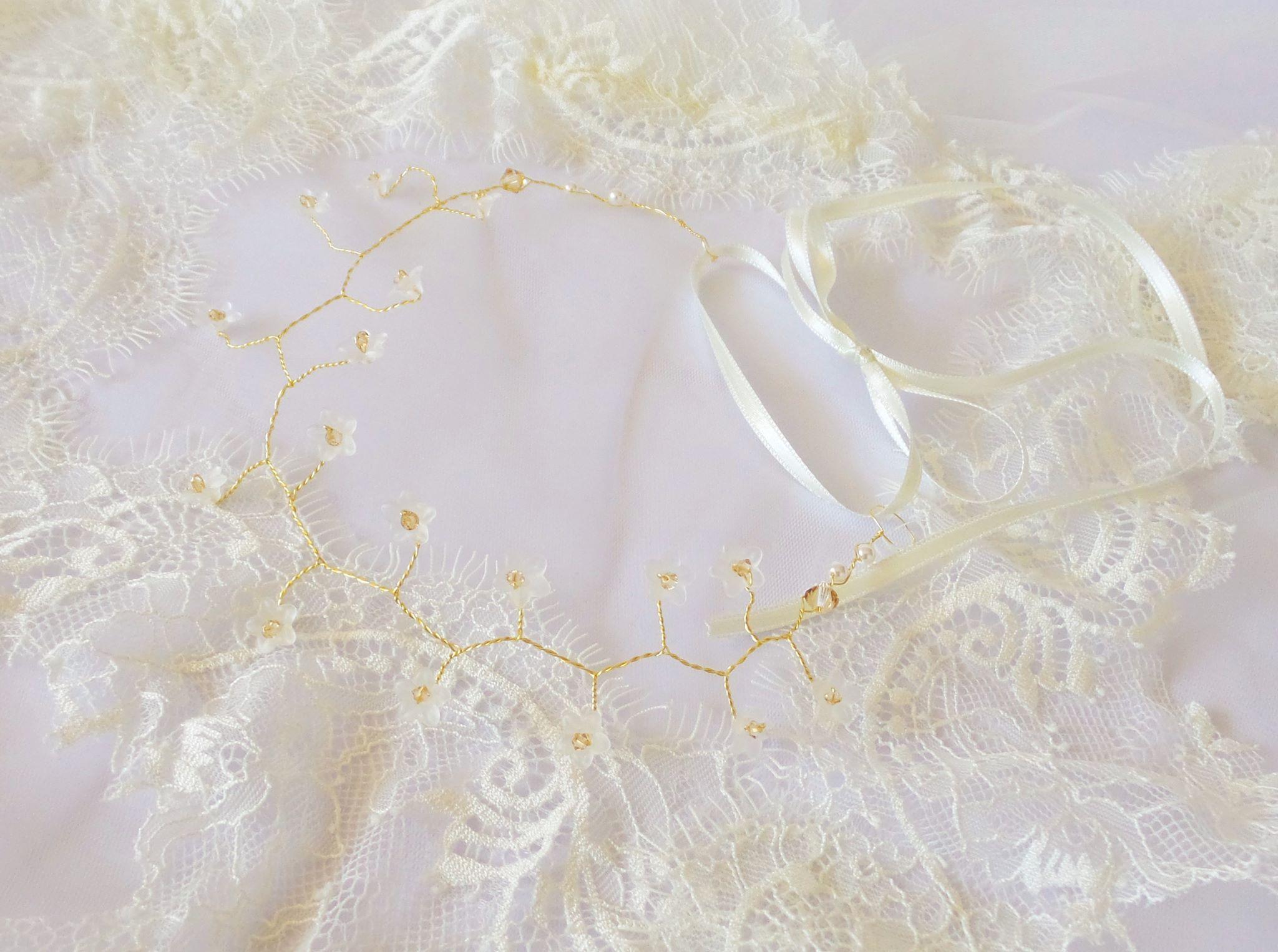 tiara-par-aurie-swarovski-golden